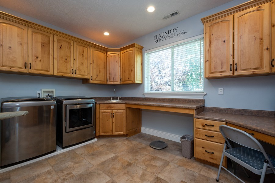 Real Estate Photography - 12979 S. Cindy Lane, Draper, UT, 84020 - Laundry Room
