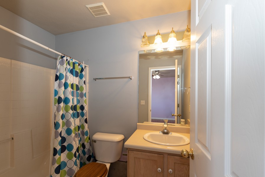 Real Estate Photography - 578 South 900 West, Tooele, UT, 84074 - Master Bathroom