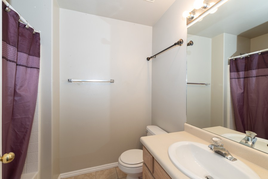 Real Estate Photography - 578 South 900 West, Tooele, UT, 84074 - 2nd Bathroom