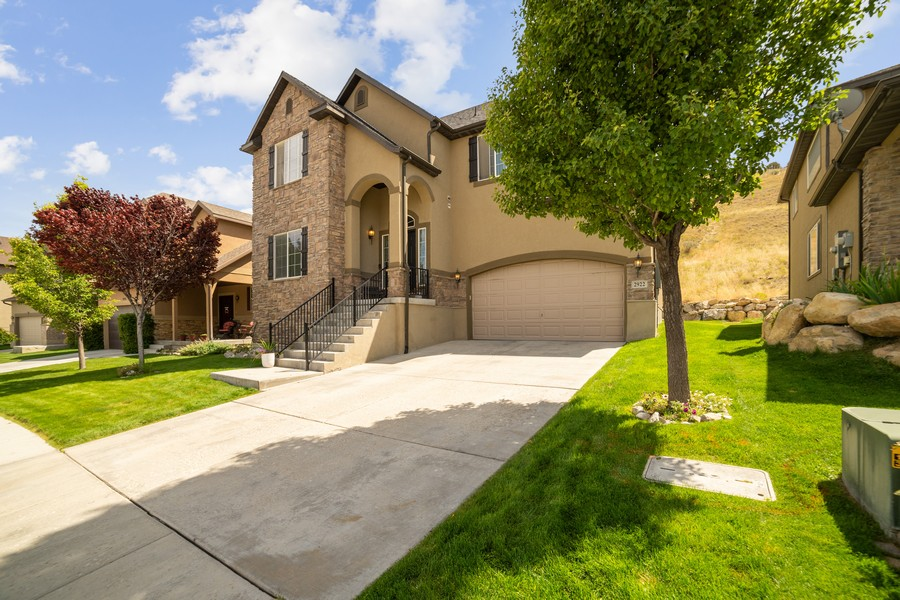 Real Estate Photography - 2922 E Lookout Dr, Eagle Mountain, UT, 84005 - Front View