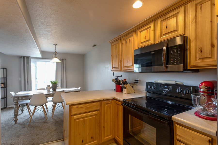 Real Estate Photography - 652 W 800 N #45, Clinton, UT, 84015 - Kitchen / Dining Room