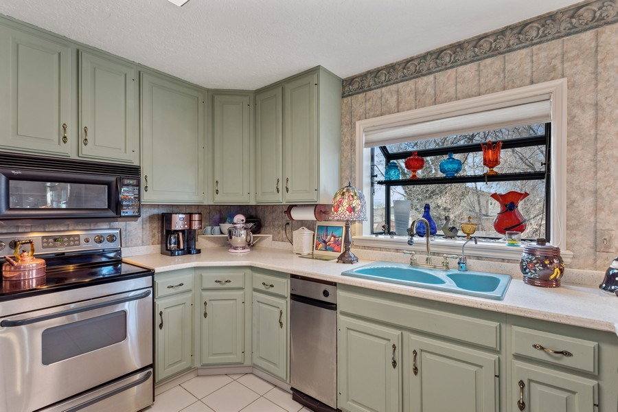 Real Estate Photography - 1789 N Stayner Dr, Farmington, UT, 84025 - Kitchen